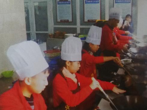学中西餐制作都说去成都厨师职业学校肯定就业好