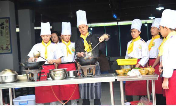 2018年成都厨师职业学校中西餐制作