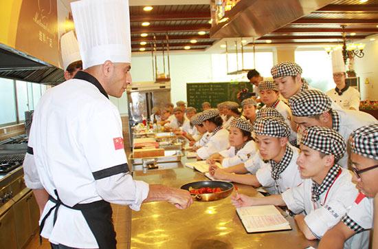 成都厨师职业学校西餐专业 成就不一样的你