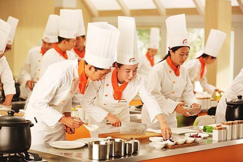 学厨师的优势表现在哪些方面?